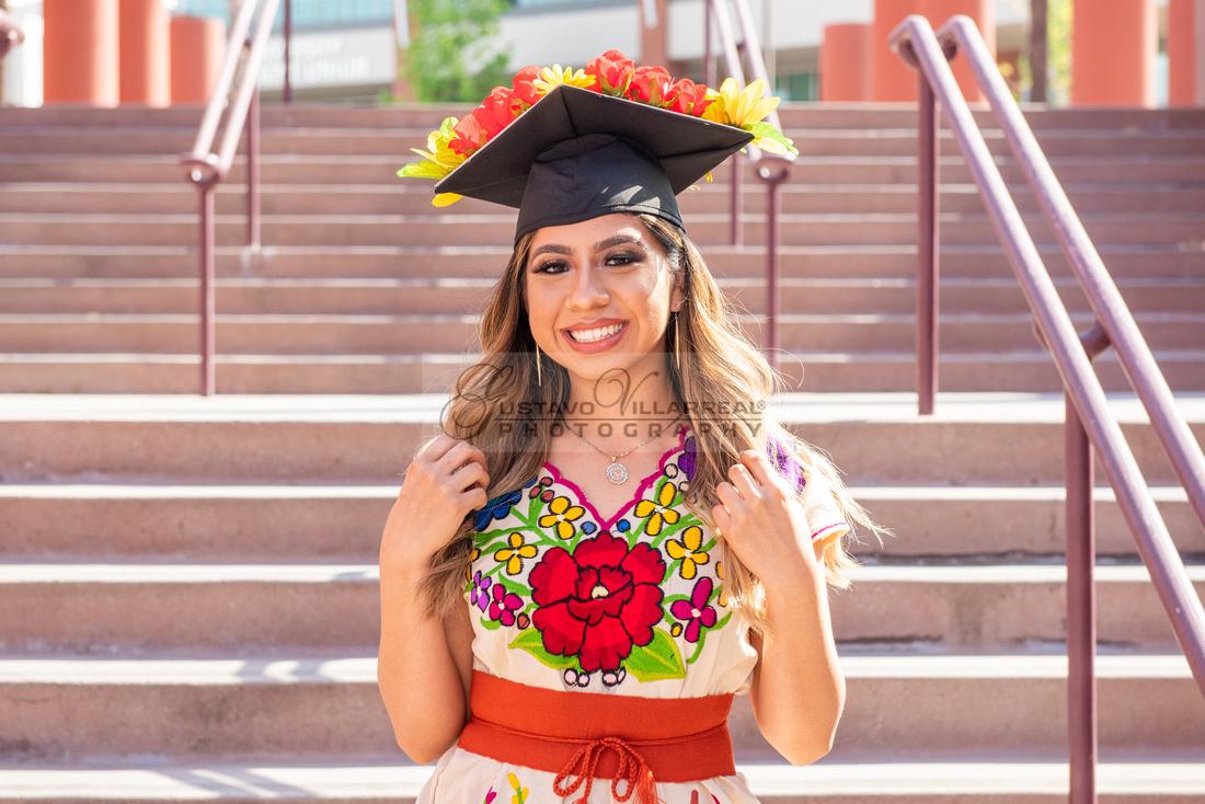 Evelyn Bernal graduation photos at California State University in Los Angeles Ca, photographer, Gustavo Villarreal
