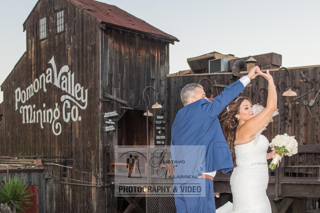 Beatriz and Eric wedding photographers, videographers, quinceaner