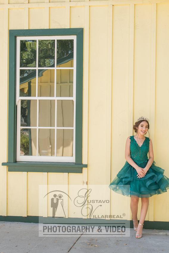 Brianna Gonzalez quinceanera photography session at Heritage Park in Santa Fe Springs Ca.
